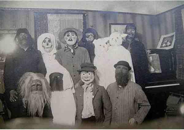 creepy vintage halloween costumes - atchuup (15)