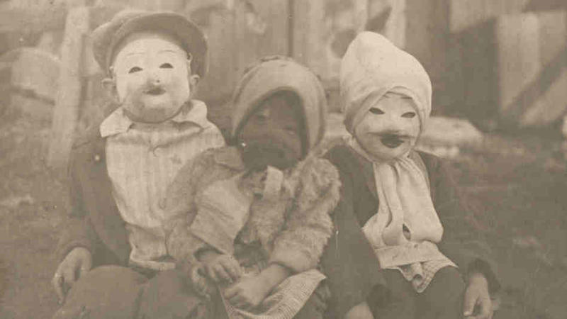creepy vintage halloween costumes - atchuup (13)