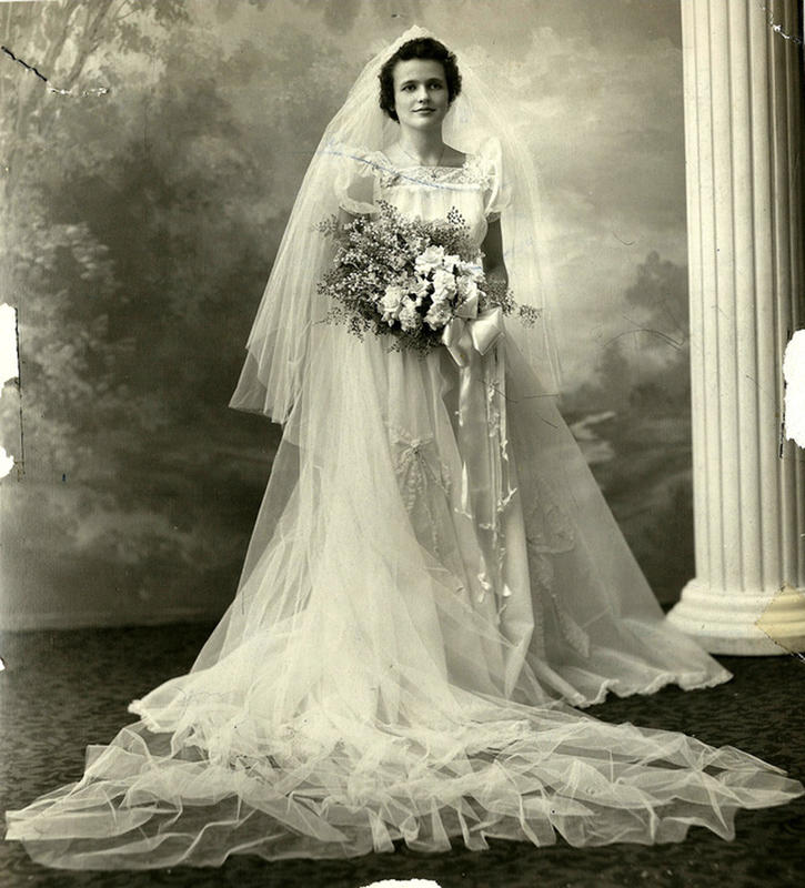 Old Michigan Wedding –Gorgeous Photos Of Brides In The