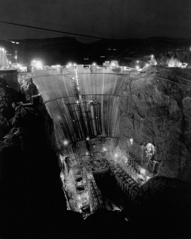 Building the Hoover Dam 20