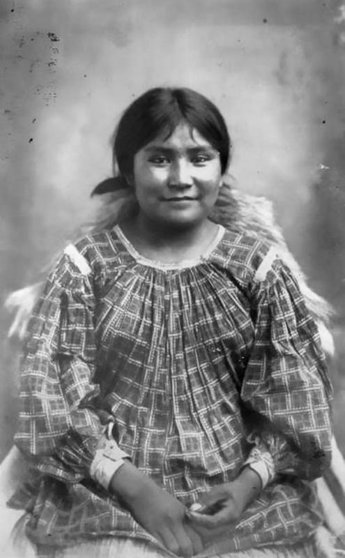 native-american-girls-portraits-30