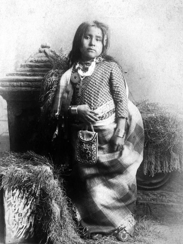 native-american-girls-portraits-22