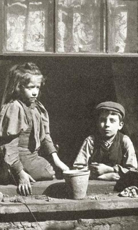destitute-east-end-children-20