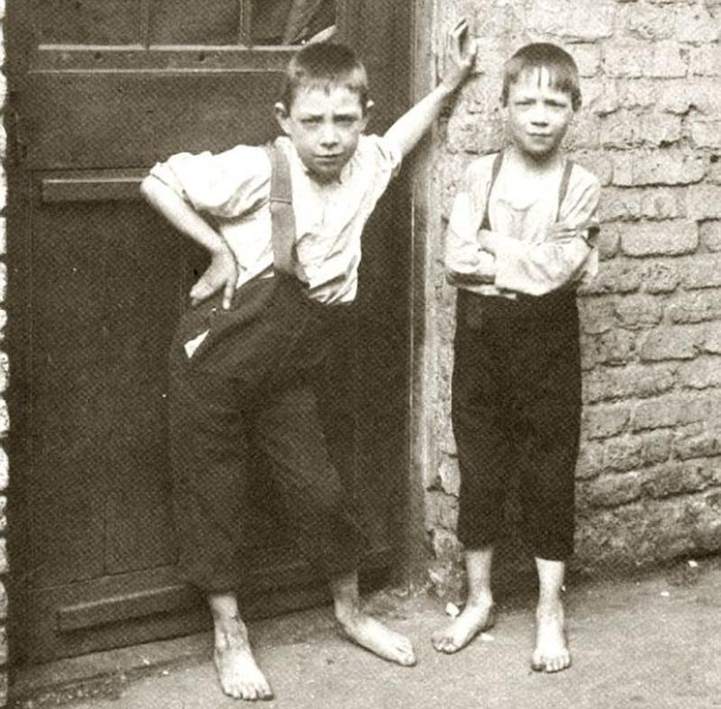destitute-east-end-children-14