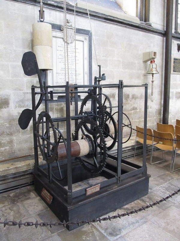 salisbury-cathedral-clock-1