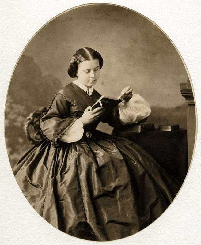 victorian-girls-and-their-books-5