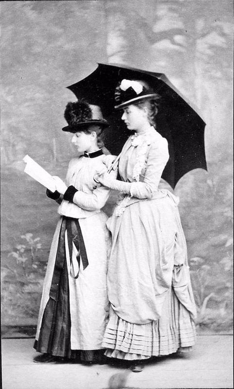 victorian-girls-and-their-books-10
