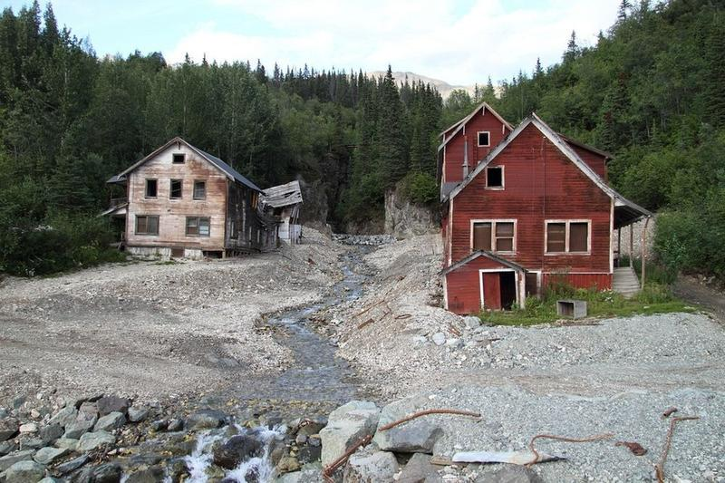kennicott-copper-mining-town-10