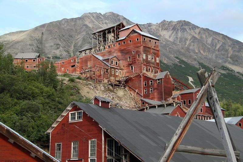 kennicott-copper-mining-town-11