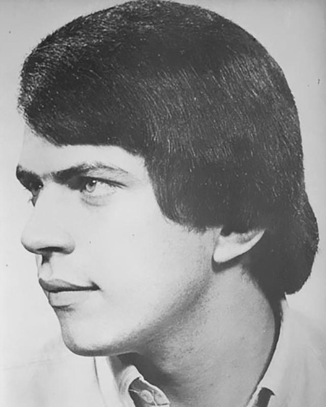 70s-men-hairstyle-27