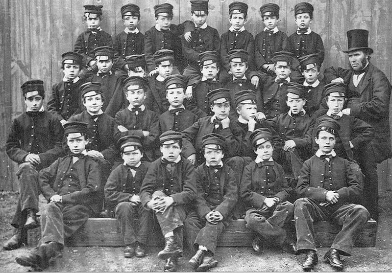 victorian-era-class-photo-10