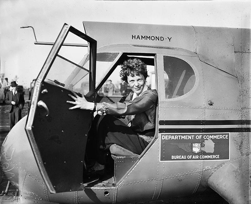amelia-earhart-in-airplane-1936