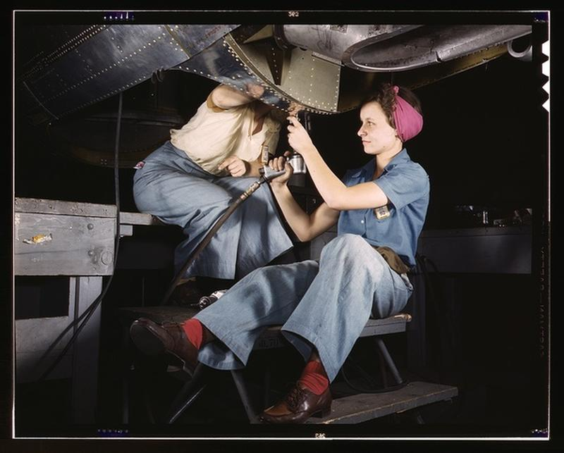 women-douglas-aircraft-1