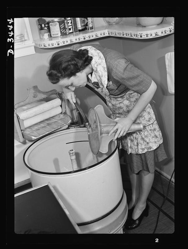 laundry-day1930s-8