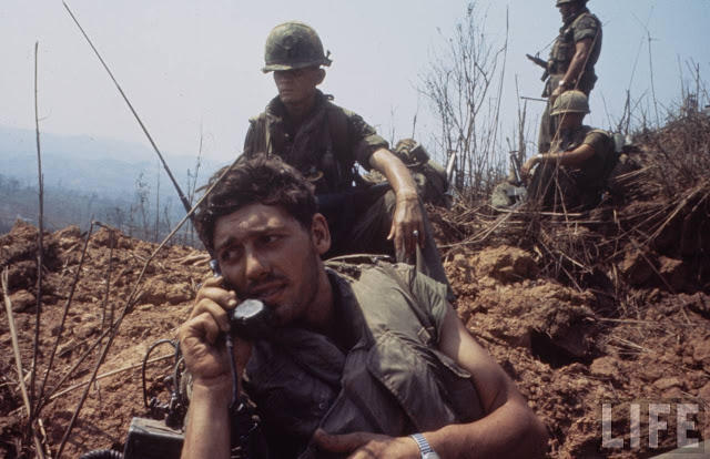 Larry-Burrows-Vietnam-war-photos-46