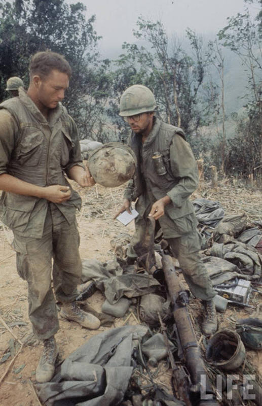 Larry-Burrows-Vietnam-war-photos-67