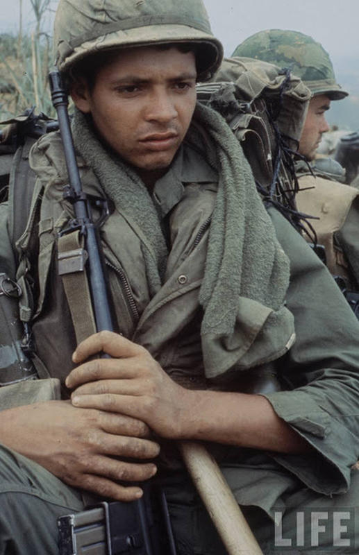 Larry-Burrows-Vietnam-war-photos-61