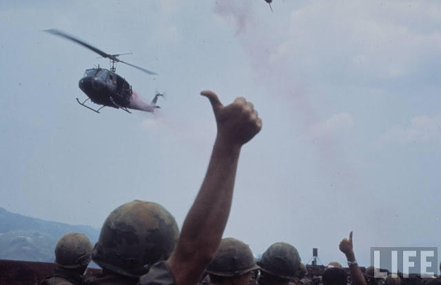 Larry-Burrows-Vietnam-war-photos-48