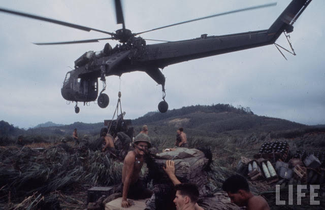 Larry-Burrows-Vietnam-war-photos-63