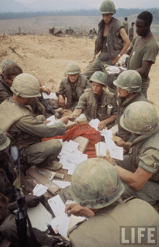 Larry-Burrows-Vietnam-war-photos-15