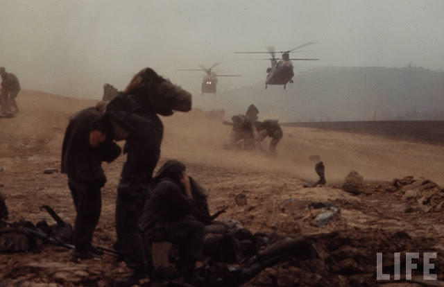Larry-Burrows-Vietnam-war-photos-29