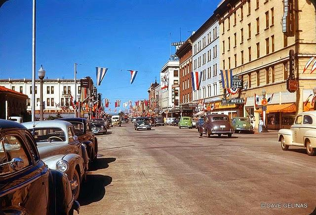Streets of USA in the 1950s (21)