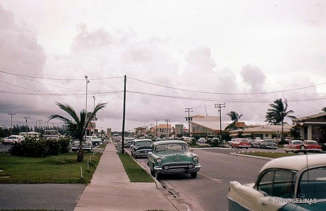 Streets of USA in the 1950s (38)