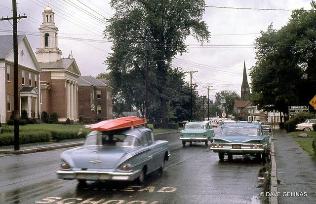 Streets of USA in the 1950s (42)