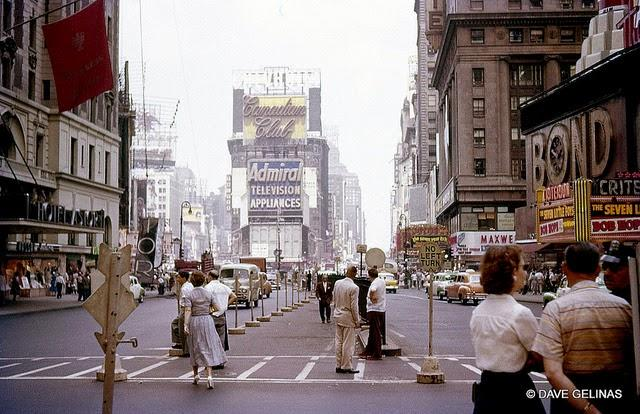 Streets of USA in the 1950s (40)