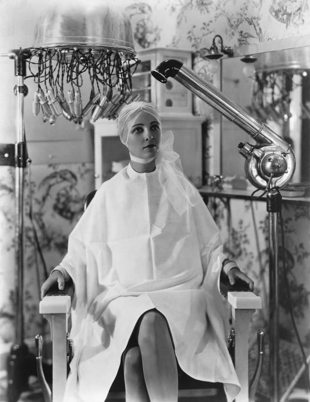 ca. 1928 --- Woman in Beauty Parlor --- Image by © CORBIS