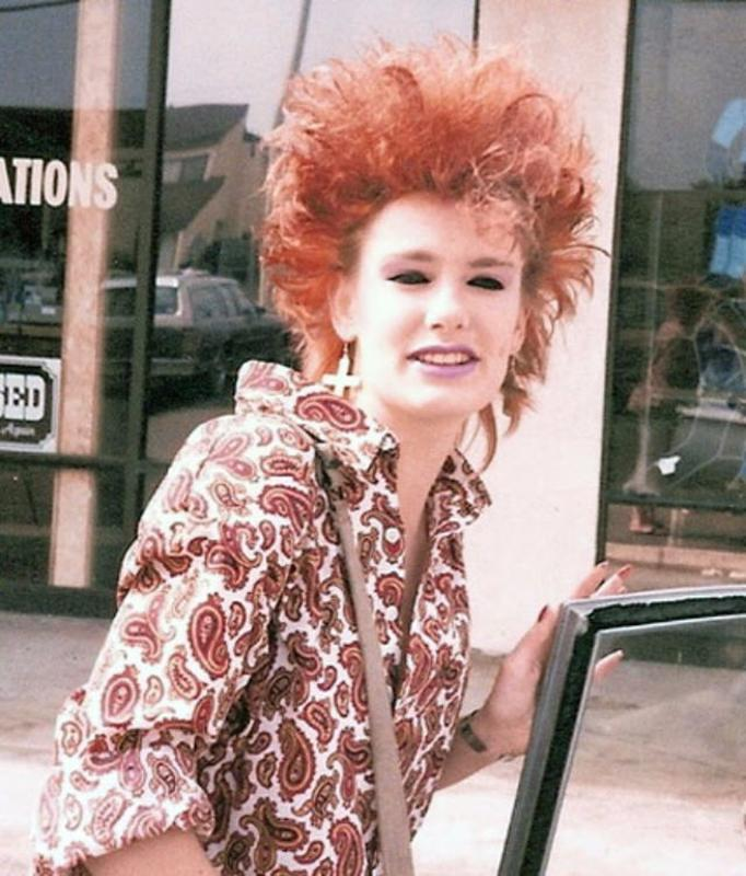 Women Rock Hairstyle in the 1980s (1)