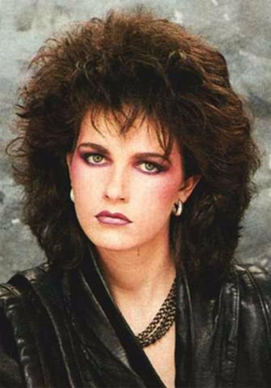 Women Rock Hairstyle in the 1980s (6)