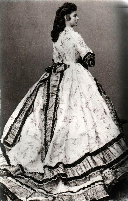 Victorian-Women-Fashion-7