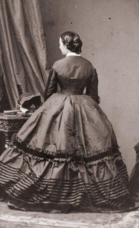 Victorian-Women-Fashion-4