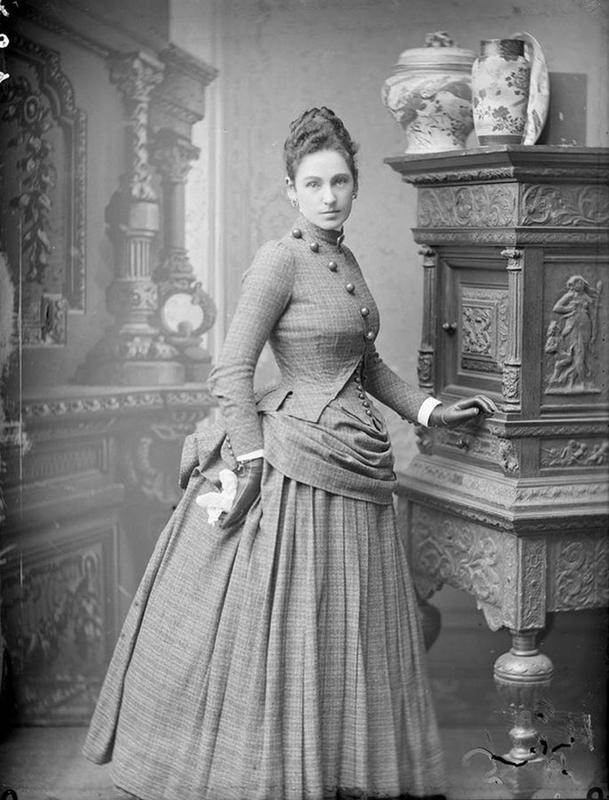 Victorian-Women-Fashion-19
