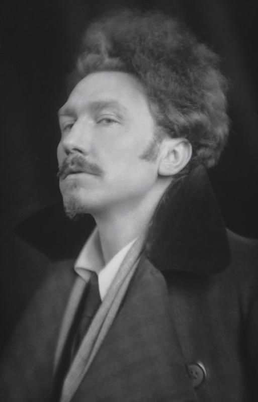 Ezra-Pound-by-E.O.-Hoppé-1918