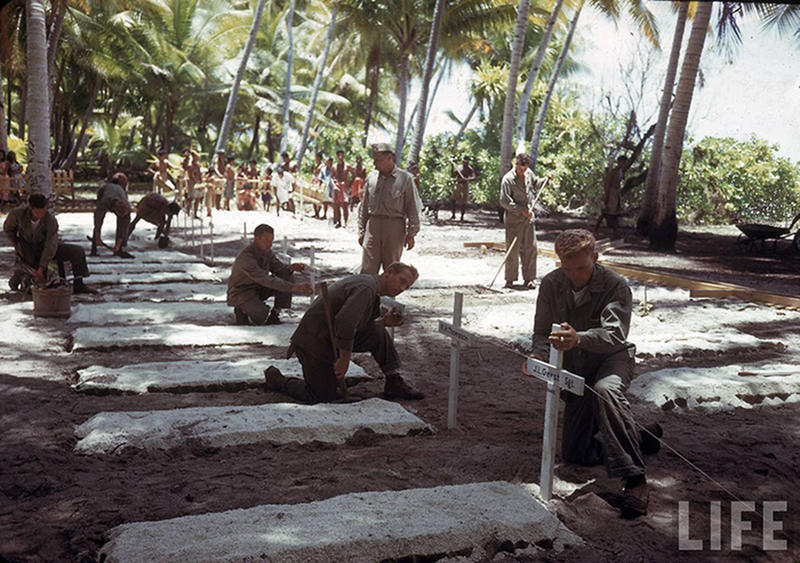 Soldiers-on-Tarawa-26