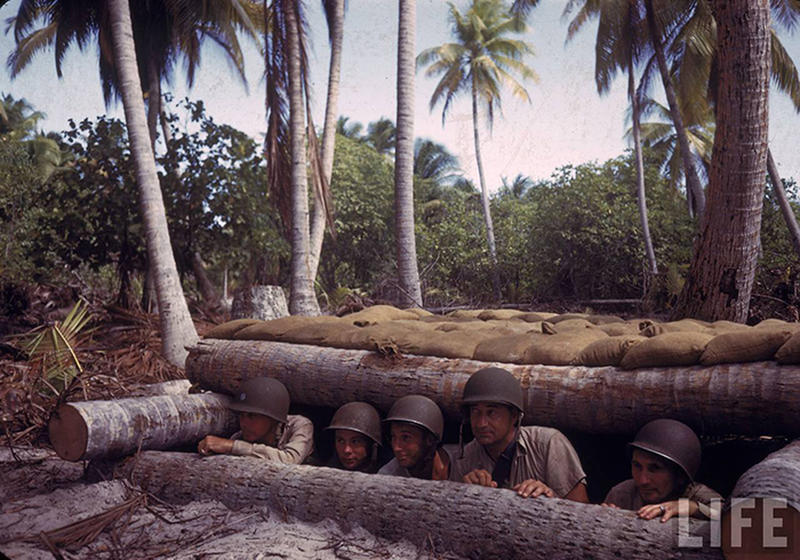 Soldiers-on-Tarawa-27
