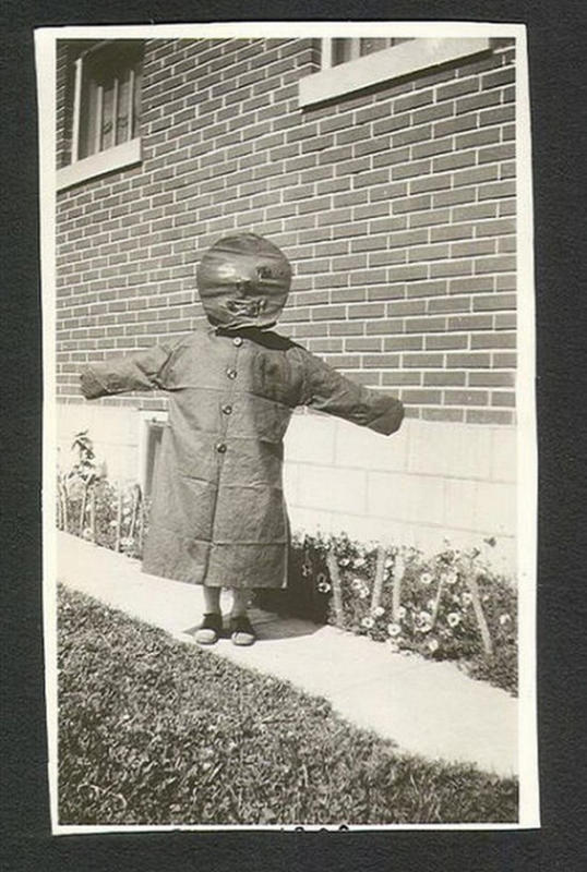 Vintage-Halloween-Photo-8
