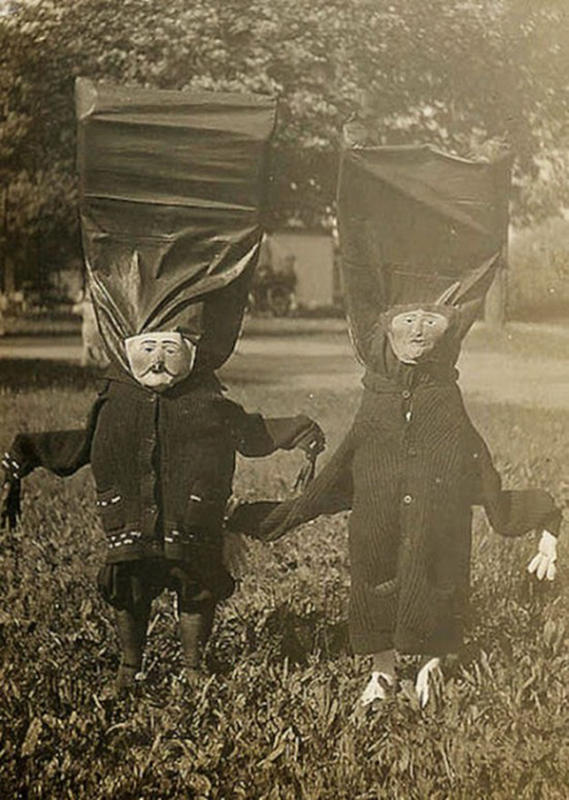Vintage-Halloween-Photo-17