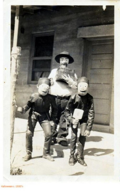 Vintage-Halloween-Photo-9