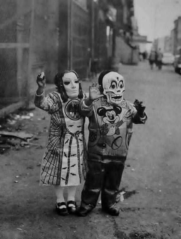 creepy vintage halloween costumes - atchuup (2)
