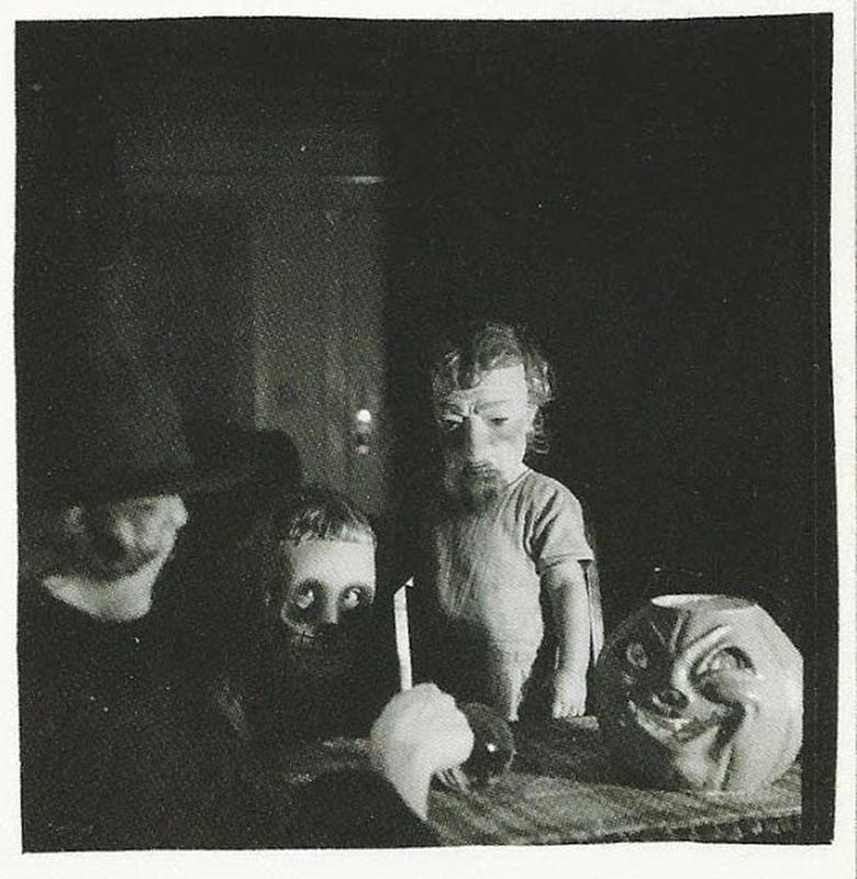 creepy vintage halloween costumes - atchuup (9)