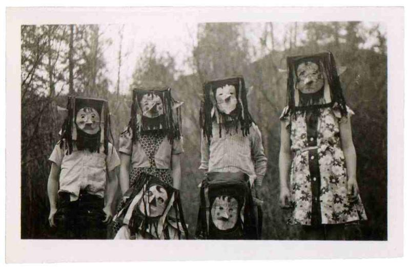 creepy vintage halloween costumes - atchuup (3)