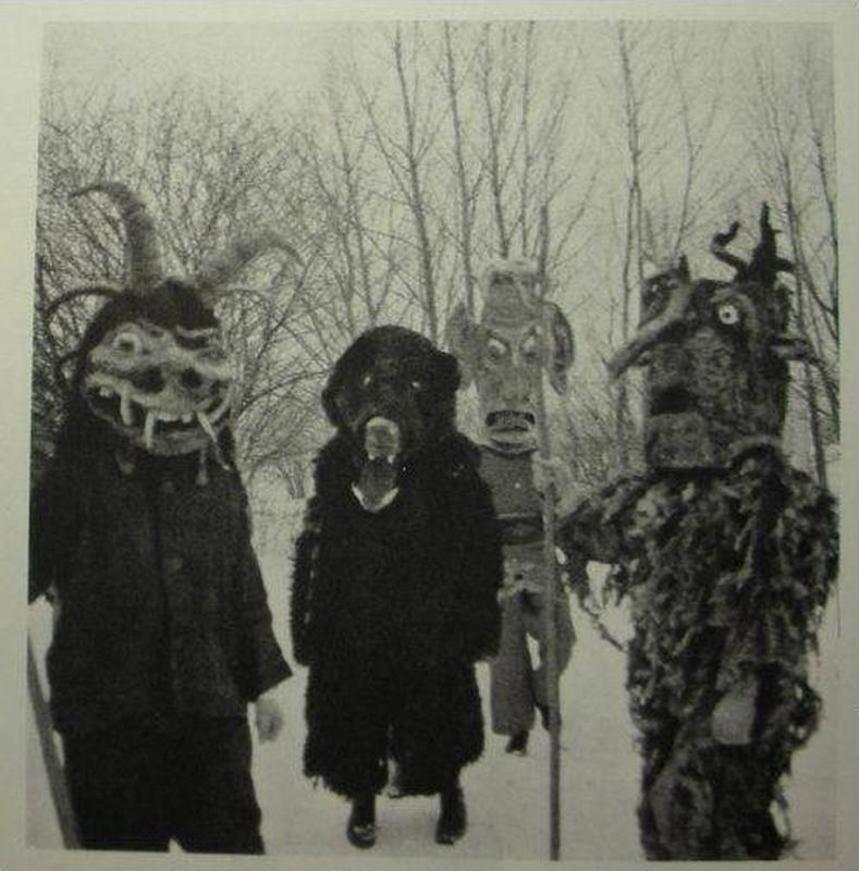creepy vintage halloween costumes - atchuup (4)