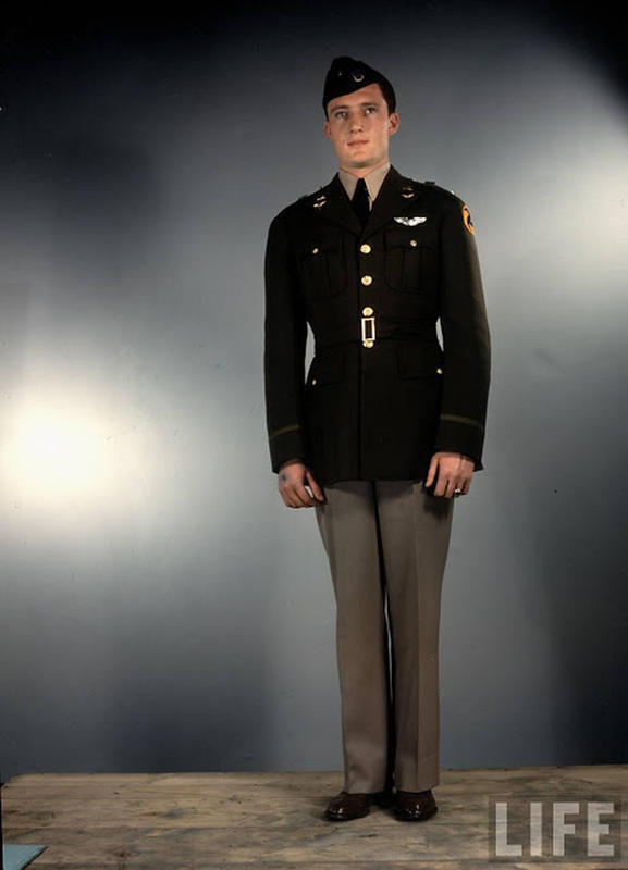 Amazing Color Photos That Show U S  Army Uniforms in World