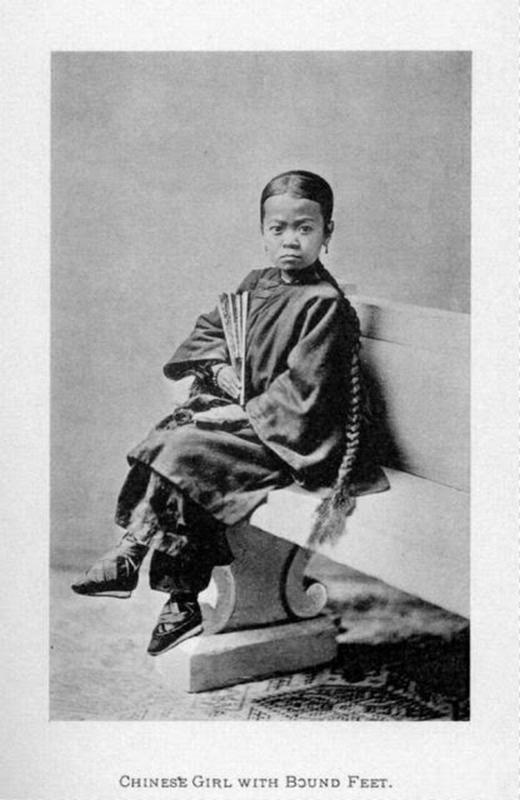 Chinese Women With Bound Feet 14