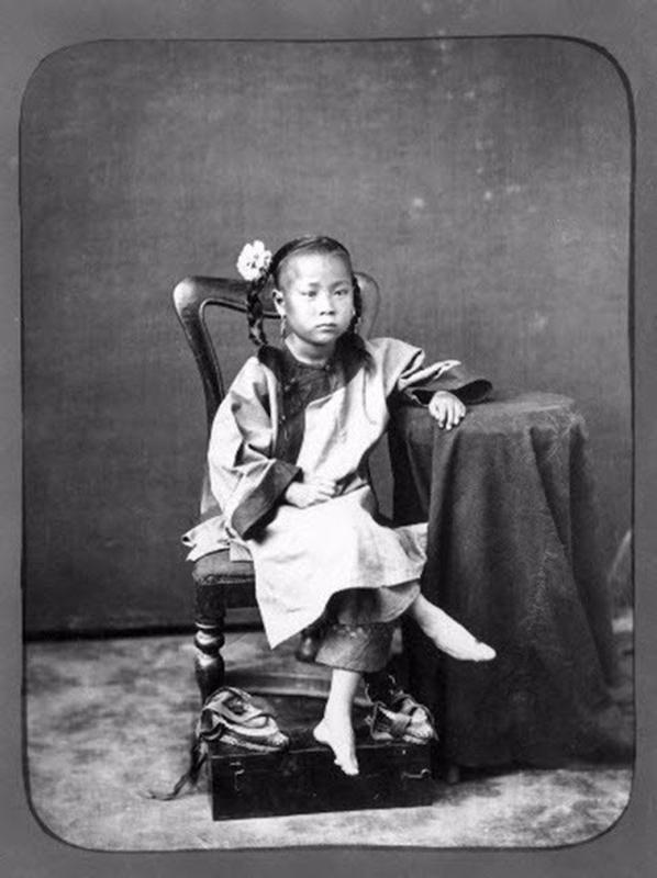 Chinese Women With Bound Feet 23