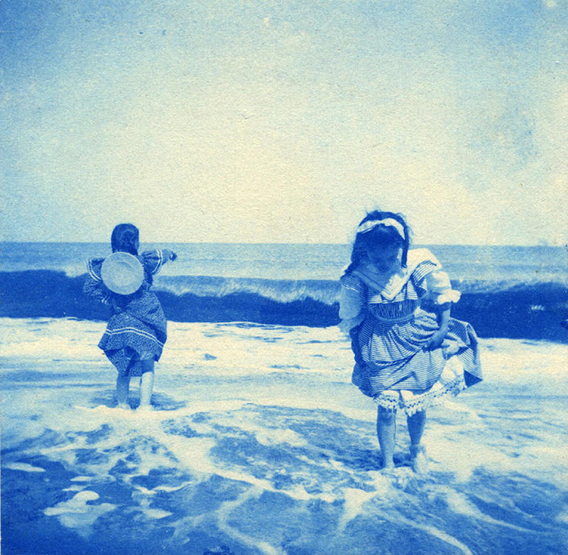 Edwardian Children at Beach 32