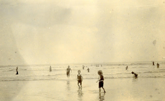 Edwardian Children at Beach 18